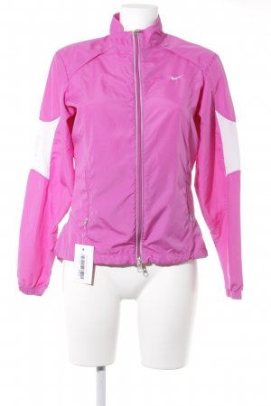 Nike Chaqueta deportiva blanco-rosa look casual