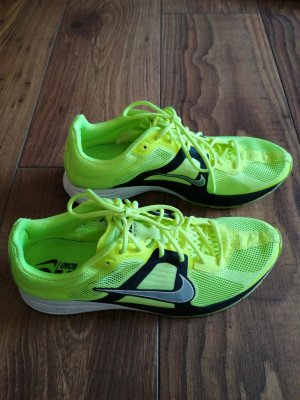 Nike Lace-Up Sneaker neon yellow-neon green