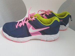 Nike Sportschuhe 38.