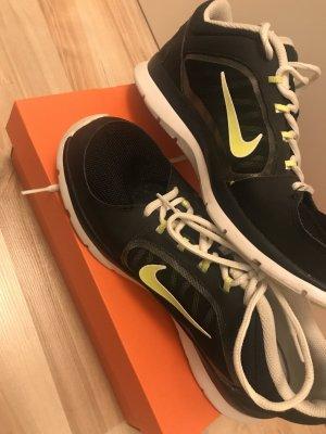 Nike Sportschuhe /39