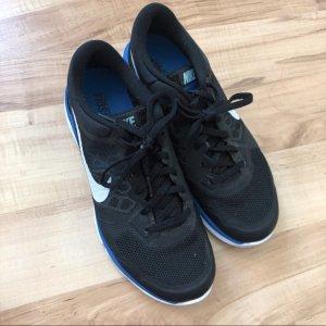 Nike Sportschuhe 41