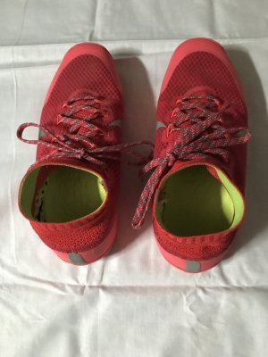 Nike Low Shoes red textile fiber