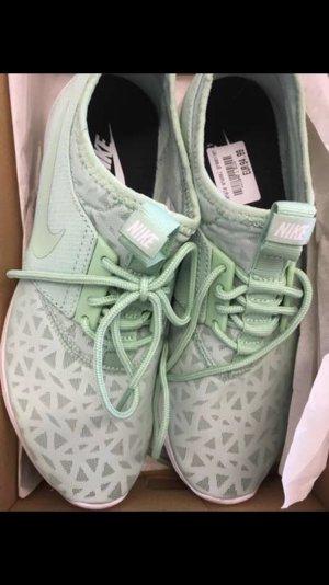 Nike Basket blanc-vert menthe