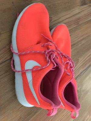 Nike Basket à lacet orange fluo