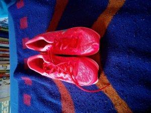 Nike Sportschuhe der Größe 39