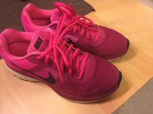 Nike Sportschuhe Gr. 38,5 Pink