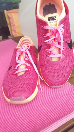 Nike - Sportschuhe - Gr. 39 - pink