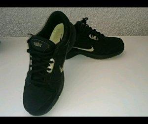Nike sportschuhe größe 40