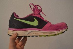 Nike Sportschuhe in Größe 42