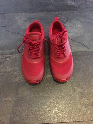 Nike Sportschuhe in rot