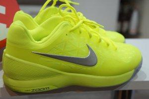 NIKE Sportschuhe neu NP 125€ Größe 38 Sonderedition Neon Farbe