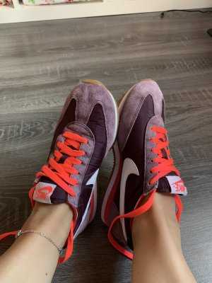 Nike Sportschuhe Turnschuhe rot neon sneaker