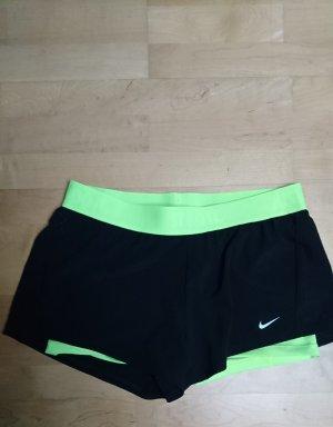 Nike sportshorts schwarz/gelb