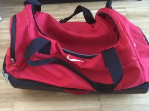 a73bd8aca864d1 Nike Sports Bags at reasonable prices | Secondhand | Prelved