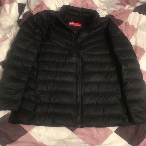 Nike Steppjacke Jacke schwarz L = 42 / 44 wie neu Übergangsjacke