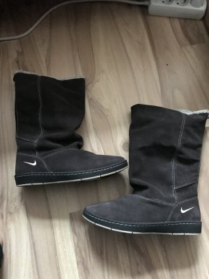 Nike stiefel sneaker hoodie größe 39 wie neu