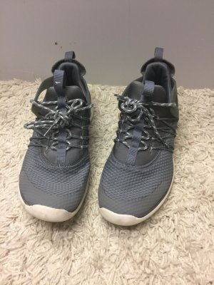 Nike Stoff Turnschuh flexible Sohle ähnlich flyknit 38