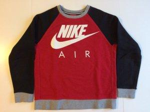 Nike Sweatshirt in der Größe 147/159 cm.