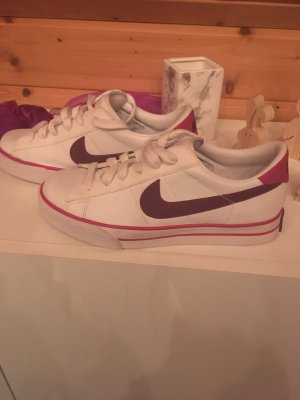 Nike Sweet Classic Casual