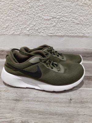 Nike Tanjun 37.5 damen khaki sneaker