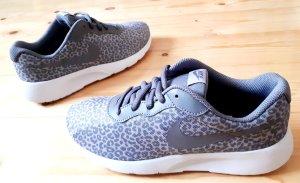 Nike Tanjun Leo Print