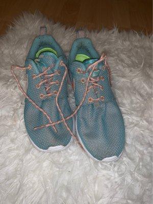 Nike Tanjun Schuhe