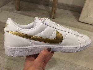 NIKE tennis classic in weiß gold -NEU-