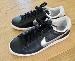 Nike Tennis Classic Sneaker schwarz silber