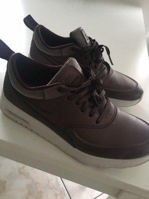 Nike Sneakers met veters bordeaux