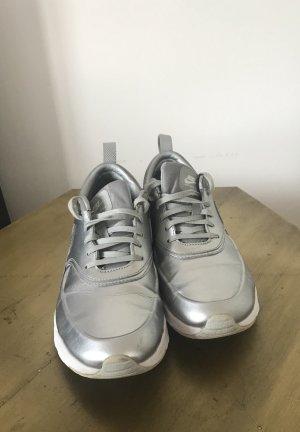 Nike Thea Air