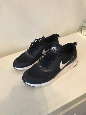 Nike Thea air Max
