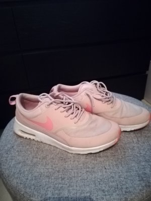 Nike Thea gr. 37,5