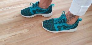 Nike Thea Gr 39