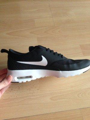 Nike Thea gr. 40,5 neu und ungetragen!!