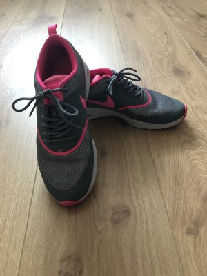 Nike Thea grau/pink Größe 40.5