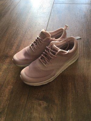 Nike Thea in Rosa