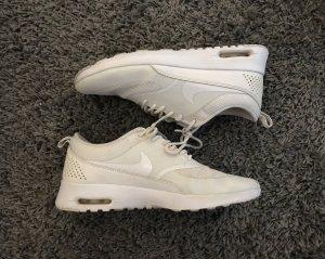 Nike Thea in weiß 38.5
