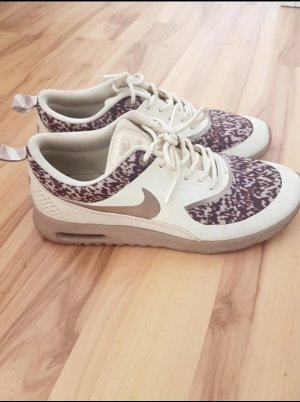 Nike Thea / Puma Muster