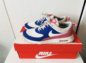 Nike Thea / Rosa und Dunkellila