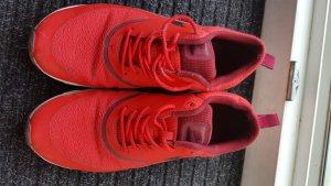 Nike thea rot sneakers