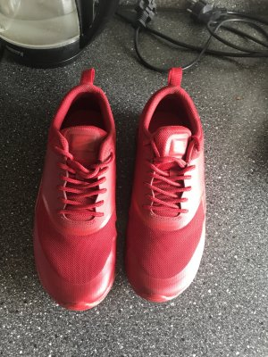 Nike thea schuhe rot