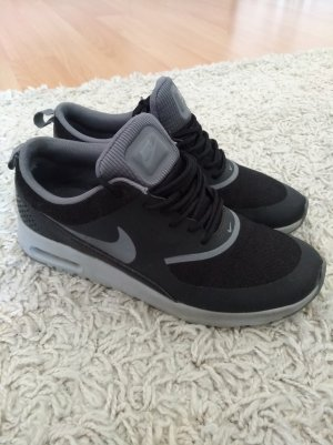 Nike Thea Schwarz / Grau Größe 38