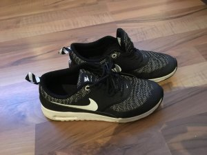 Nike Thea schwarz weiß 38,5