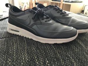 Nike Thea SE Dunkelblau
