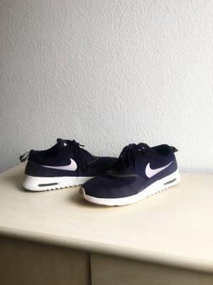 Nike Thea Sogut wie neu