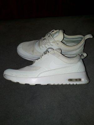 Nike Thea Triple White Schuh