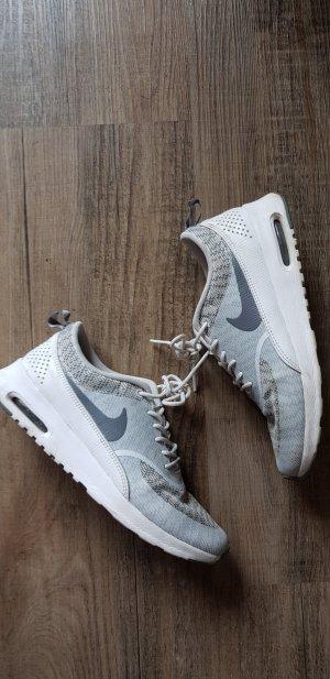 Nike Thea Weis