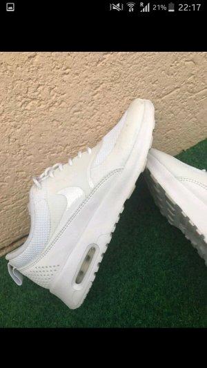 Nike Thea weiß, white, blanc in Größe 36.5 .
