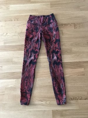 NIKE Tights mit rotem Muster, Gr. XS