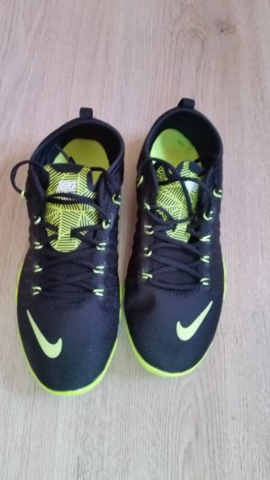 Nike top Sportschuhen in Gr 37,5 NEU top Angebot